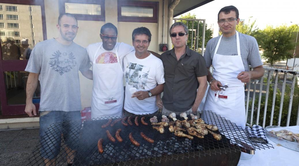 Photo d'un barbecue organisé par le Ju Jitsu d'Asnières en 2015